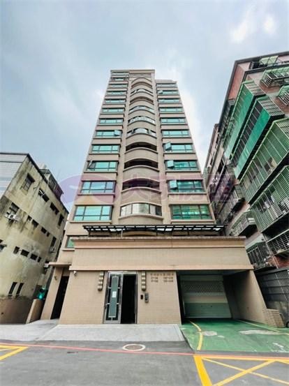 頂埔捷運高樓四房車