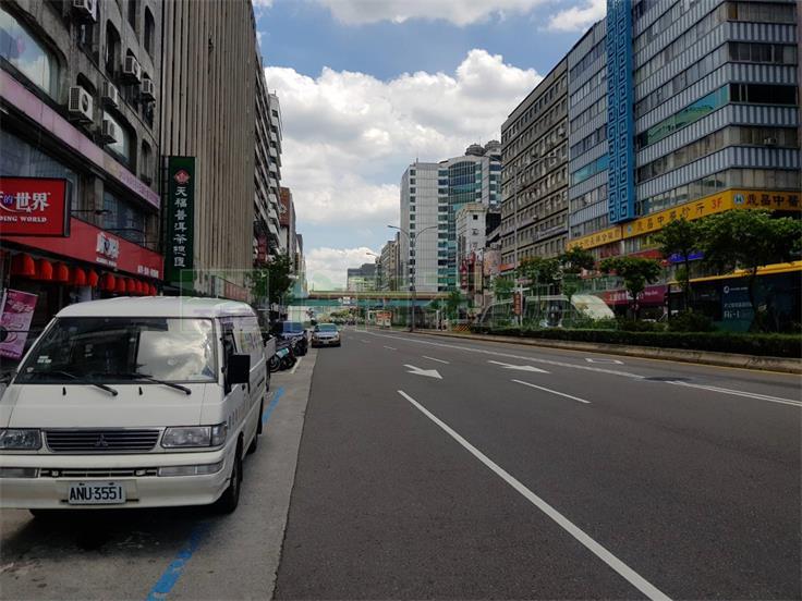 南京復興捷運店面